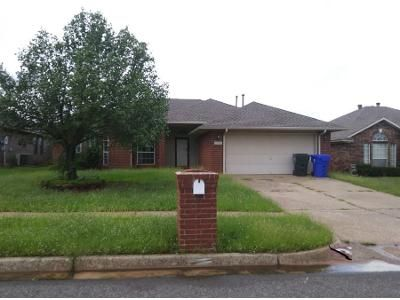 3 Bed 2 Bath Preforeclosure Property in Norman, OK 73071 - Sandstone Dr