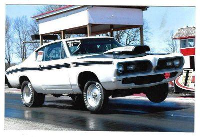 1969 Plymouth Barracuda aluminum head 426 Hemi drag car