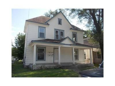 4 Bed 4 Bath Foreclosure Property in Excelsior Springs, MO 64024 - Benton Ave