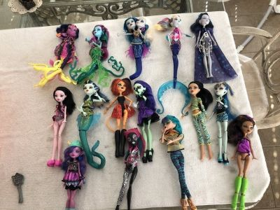 15 Mattel Monster High Dolls