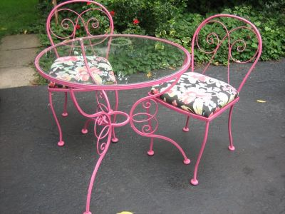 vintage scrolly raspberry iron patio table and chairs