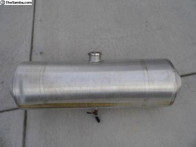 Aluminum Fuel Tank / 10 X 33 Center Fill Used
