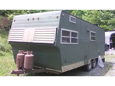 SHASTA STRATOFLYTE 20' TRAVEL TRAILER, ALL WORKS, ...