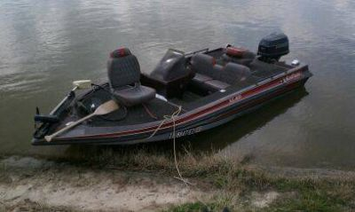 92 King Fisher 17 Bass Boat w90hp Evinrude
