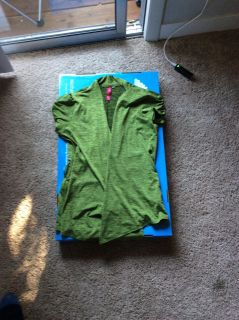 HEART SOUL brand green no button over the shirt jacket