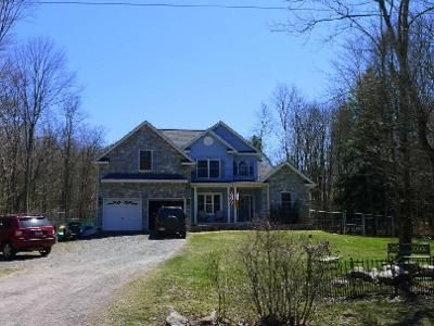 4 Bed 2.5 Bath Foreclosure Property in Blakeslee, PA 18610 - Greenwood Drive