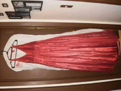 $150 prom dress (moorhead)