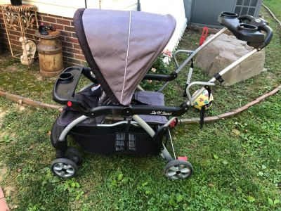 PPU-White house double stroller sit to stand. Good condition a few scratches from folding it up!