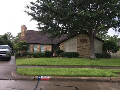 3 Bed 2 Bath Preforeclosure Property in Deer Park, TX 77536 - Park Shadow Ln