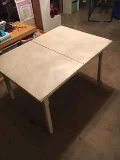 Sturdy play room table
