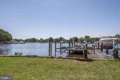5054 Lerch Dr Shady Side Five BR, Live like you're on vacation