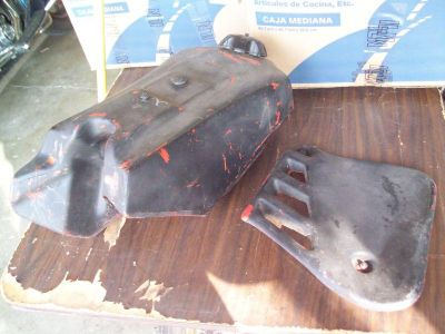 Buy 1986 HONDA CR250 GAS TANK & SCHROUD !!! (LOOK FREE SHIPPING) motorcycle in Miamisburg, Ohio, US, for US $25.00