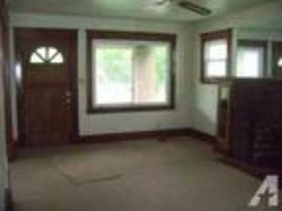 $575 / 5 BR - Very Large 5 BR Home For Rent (Youngstow