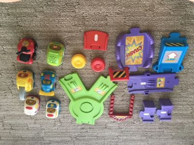 V-Tech Smart Wheels Lot - 6 Vehicles & Extra Track Pieces