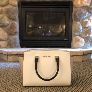 Micheal Kors Purse Brand New