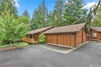 2500 Sunrise St Kelso Three BR, Came see this secluded log home