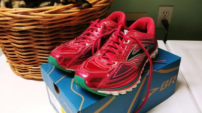 Women's Size 7.5 Brooks Glycerin 13 running shoes - used good condition - washed