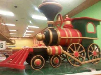 RARE Giant Toy Train Steam Engine - Store (Christmas Decor) Display