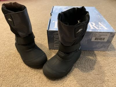 Tundra Quebec winter boots...size 12