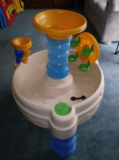 Little Tikes Outdoor Water Table / Sand Table