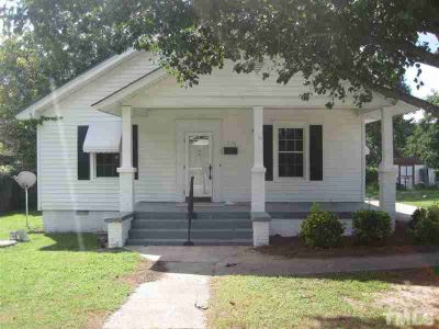 406 S 16th Street Erwin, Lovely older home with lots of