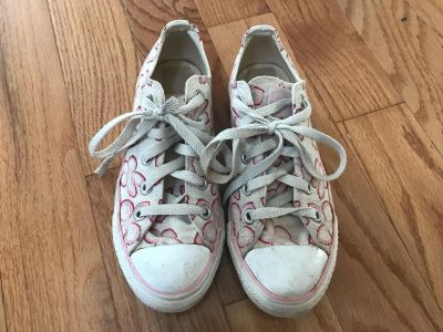 Converse All Star Women s Shoes, Size 6