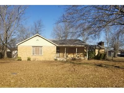 3 Bed 2 Bath Preforeclosure Property in Lonoke, AR 72086 - W 4th St