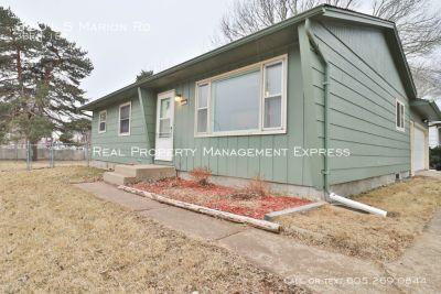 Perfect 3 bedroom home with a fenced in yard!