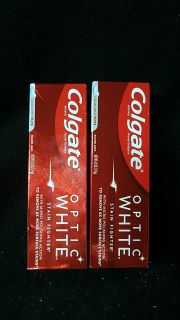 2 Colgate optic white toothpaste 4.2oz
