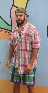 John C is looking for a New Roommate in Miami with a budget of $850.00