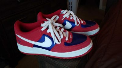 Nike air forces size 6y or womans 8