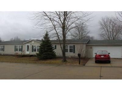4 Bed 2 Bath Foreclosure Property in Lebanon, IL 62254 - Spring Meadow Trl