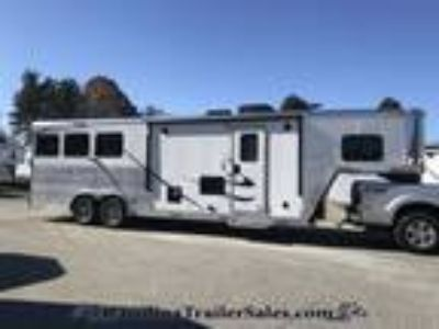 2019 Merhow 3H 9' LQ in Ebony, Steps up to the bed area! 3 horses