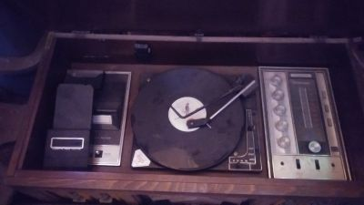 8 track cassette and record player
