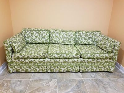 Thomasville Couch Great Condition Pet, Smoke free home No Rips or Stains