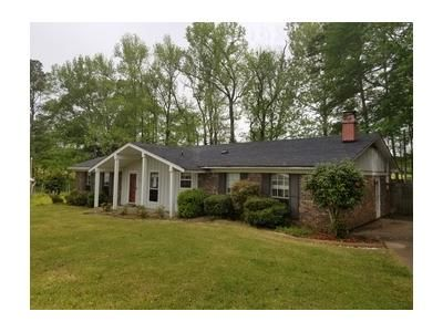 4 Bed 2 Bath Foreclosure Property in Louisville, MS 39339 - Aka 100 Greentree Pl