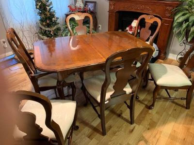 Elegant German Dining Table with 6 chairs and matching China Cabinet