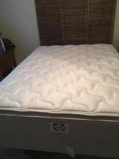 SEALY - Queen Pillow Top Mattress and Box Spring