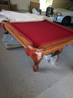 Full size pool table w/Accessories