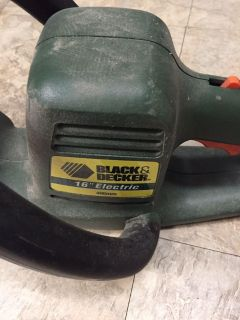 16 Black and Decker Electric Hedge Trimmer
