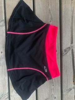 Black & Pink Champions Athletic Skirt with Attached Shorts (size 7/