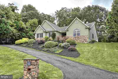 15 Palmer St LEBANON Four BR, Custom ranch on almost ~ acre with