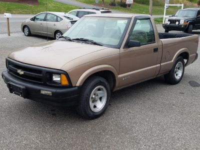 1997 Chevrolet S-10 LS (Brown)