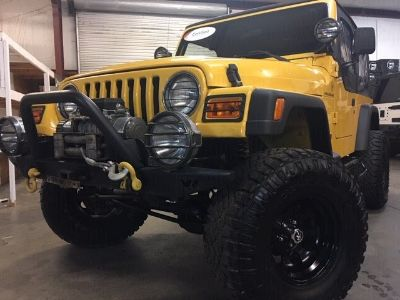 2002 Jeep Wrangler X (Yellow)