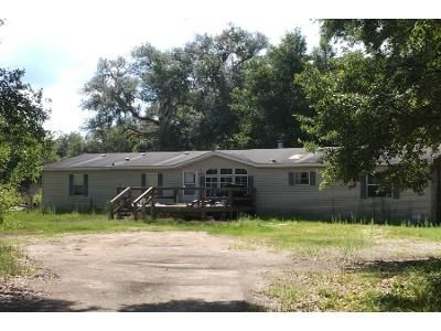 4 Bed 2 Bath Foreclosure Property in Bushnell, FL 33513 - Cr 609 A
