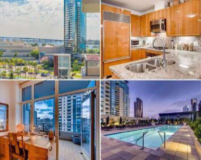 Great Downtown Entertaining Bay & City View condo