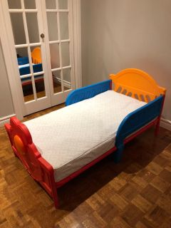Elmo bed and mattress