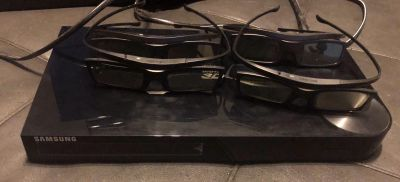Samsung 3-D Blu-Ray w/converter and 4 pairs of glasses