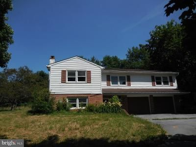 4 Bed 2.5 Bath Foreclosure Property in Elverson, PA 19520 - Millard Rd