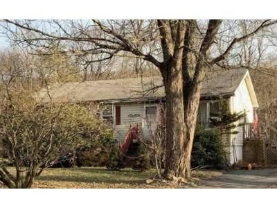 3 Bed 1 Bath Foreclosure Property in Westbrookville, NY 12785 - Manor Drive